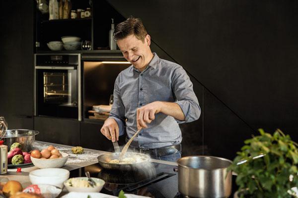 Cucinare con elettrodomestici Neff