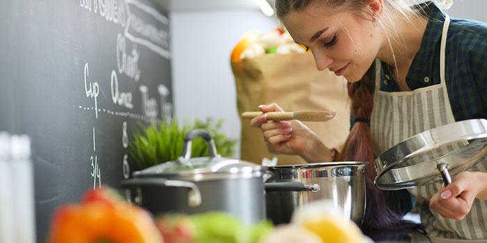 Cucinare sul piano a induzione